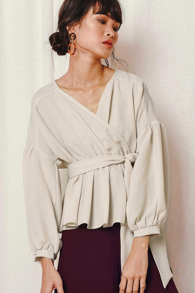 BERLIN WRAP TOP IN ECRU