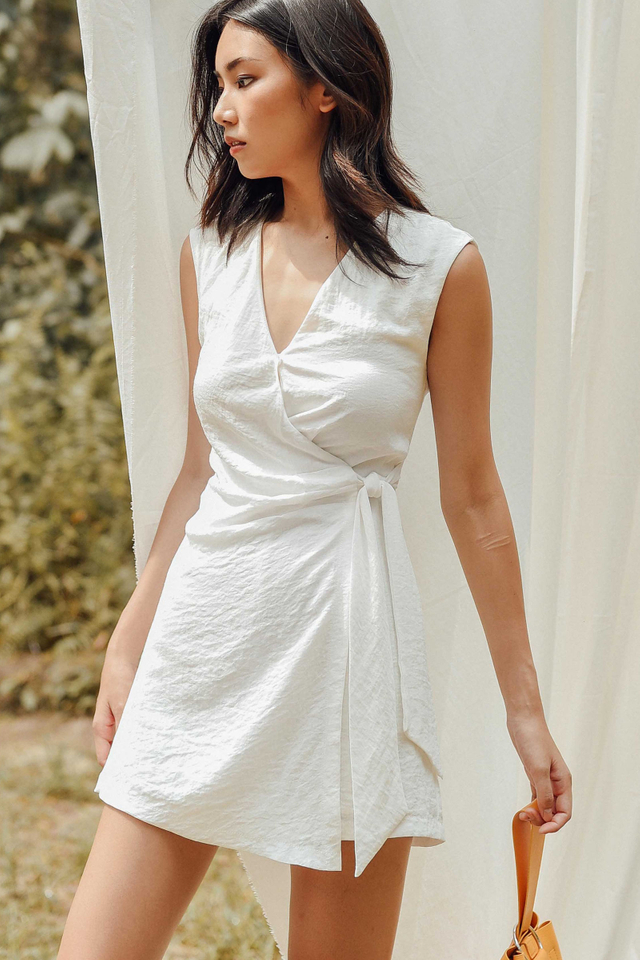 CHERIE LINEN PLAYSUIT IN WHITE