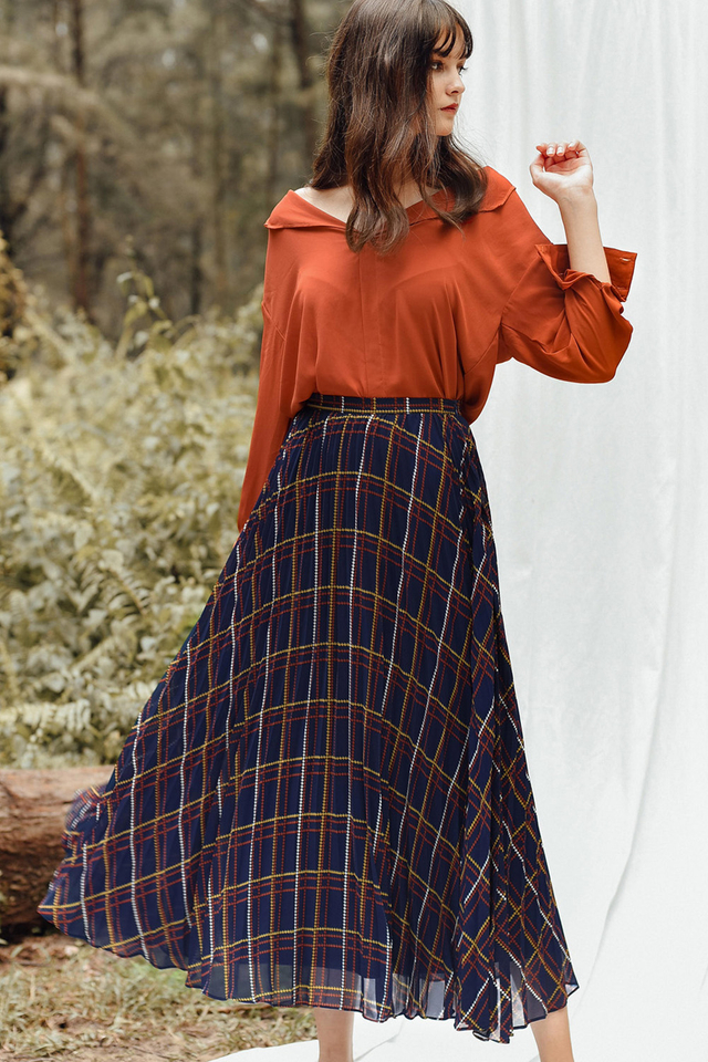 KANSAS PLEATED MAXI IN NAVY