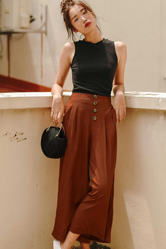 RIKO BUTTON CULOTTES IN BRICK