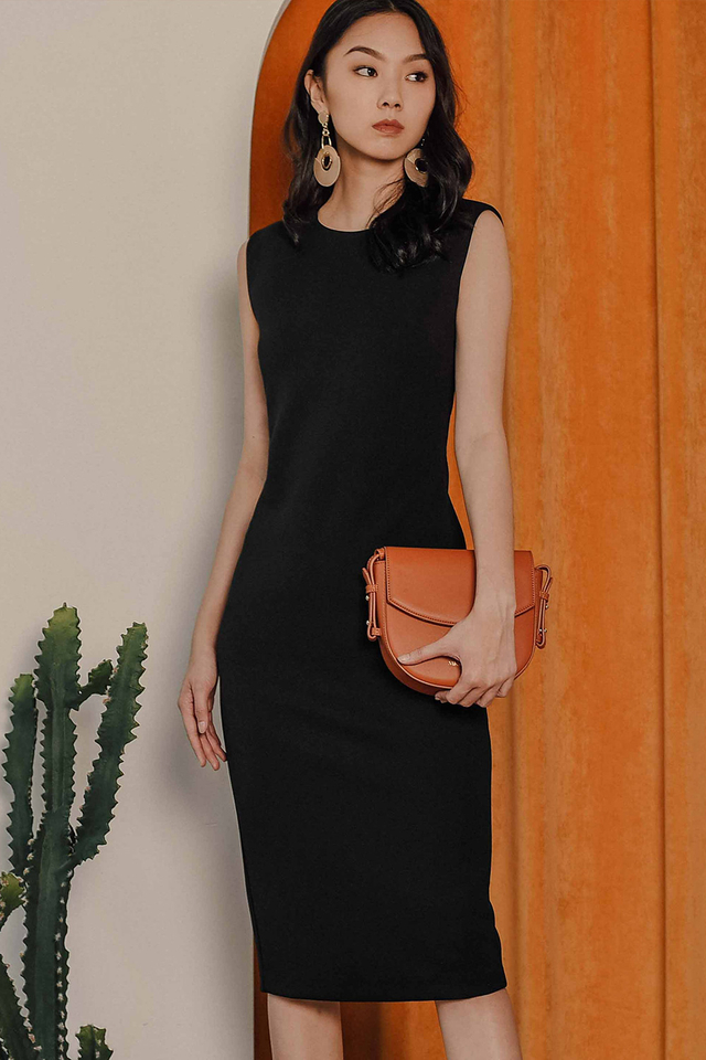 KIARA SHEATH MIDI IN BLACK
