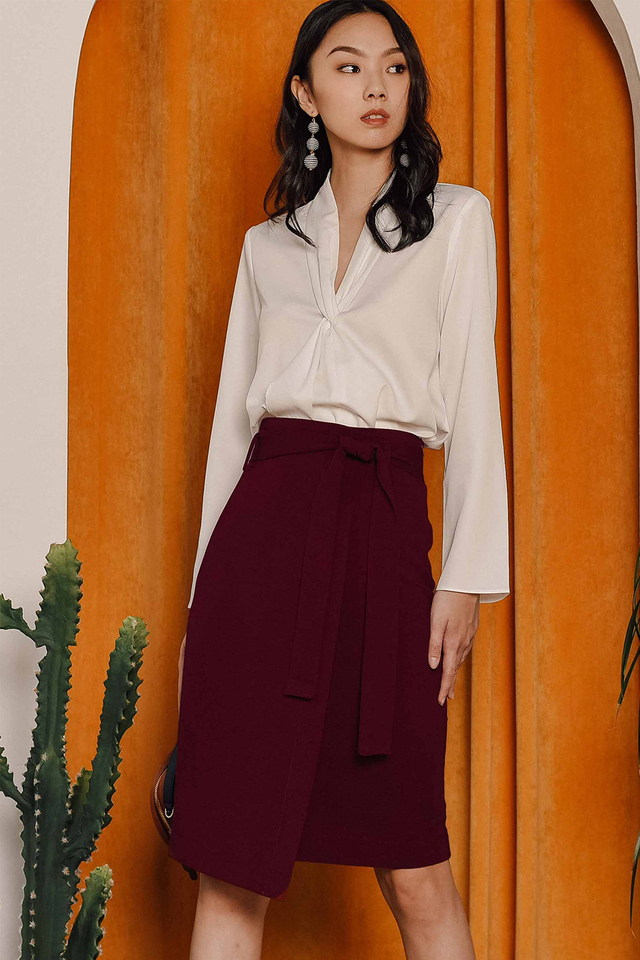 DANI SASH SKIRT IN WINE