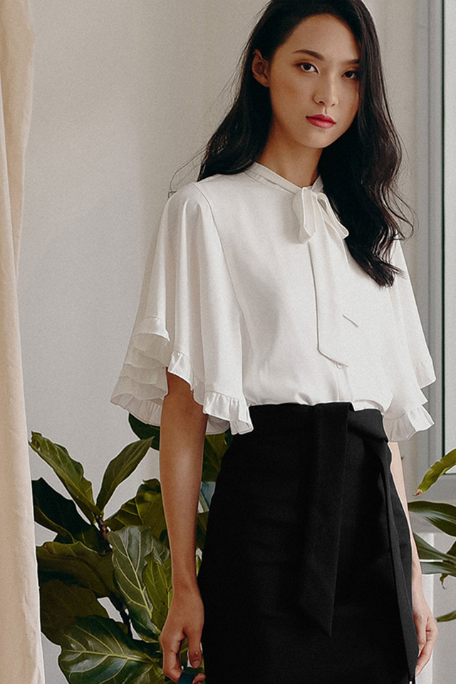 BIANCA CAPE BLOUSE IN WHITE