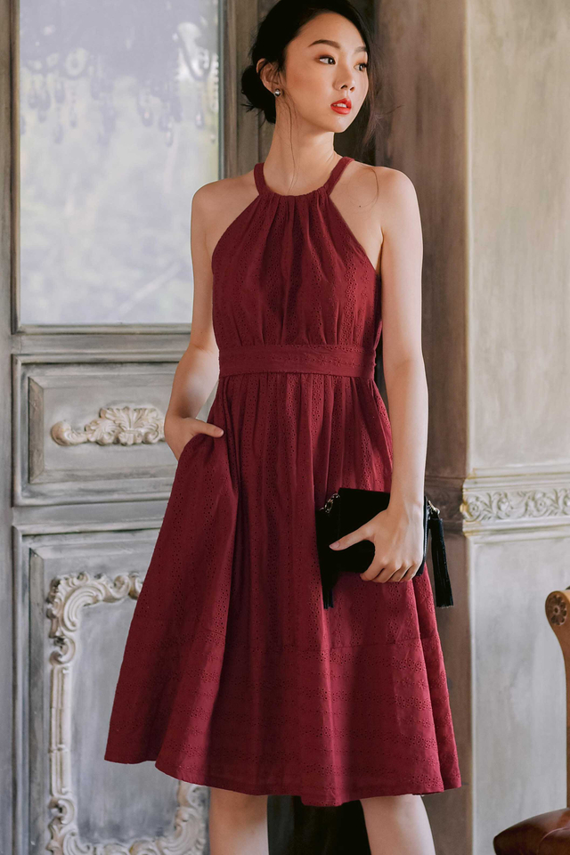 AMBROSE EYELET MIDI IN ROSE RED