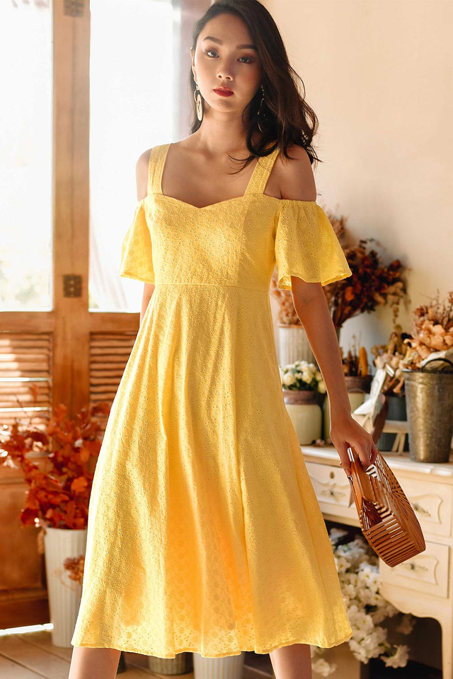 BEVERLY EYELET MIDI IN YELLOW