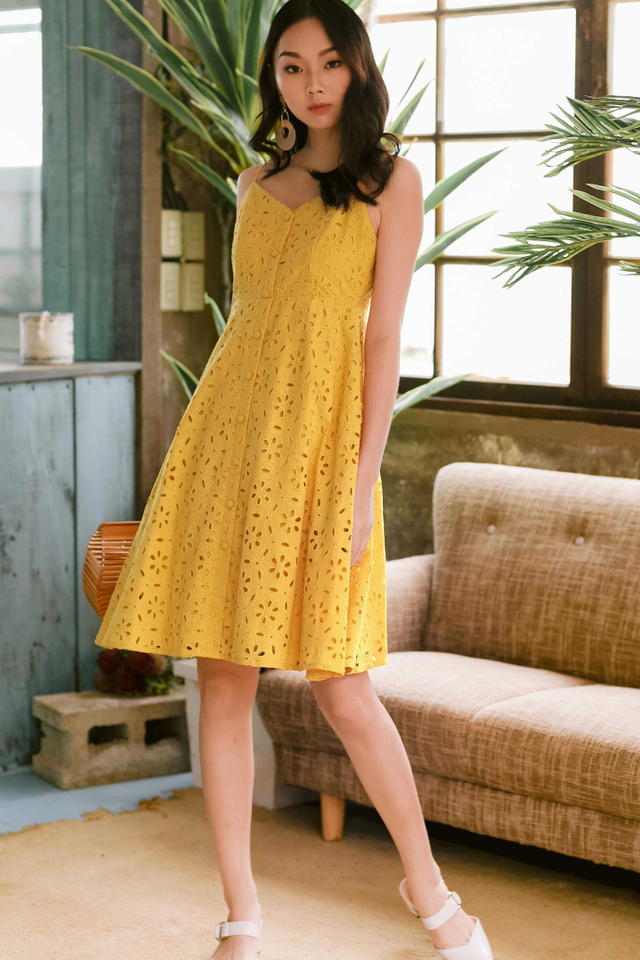 CADBY BUTTON MIDI IN YELLOW