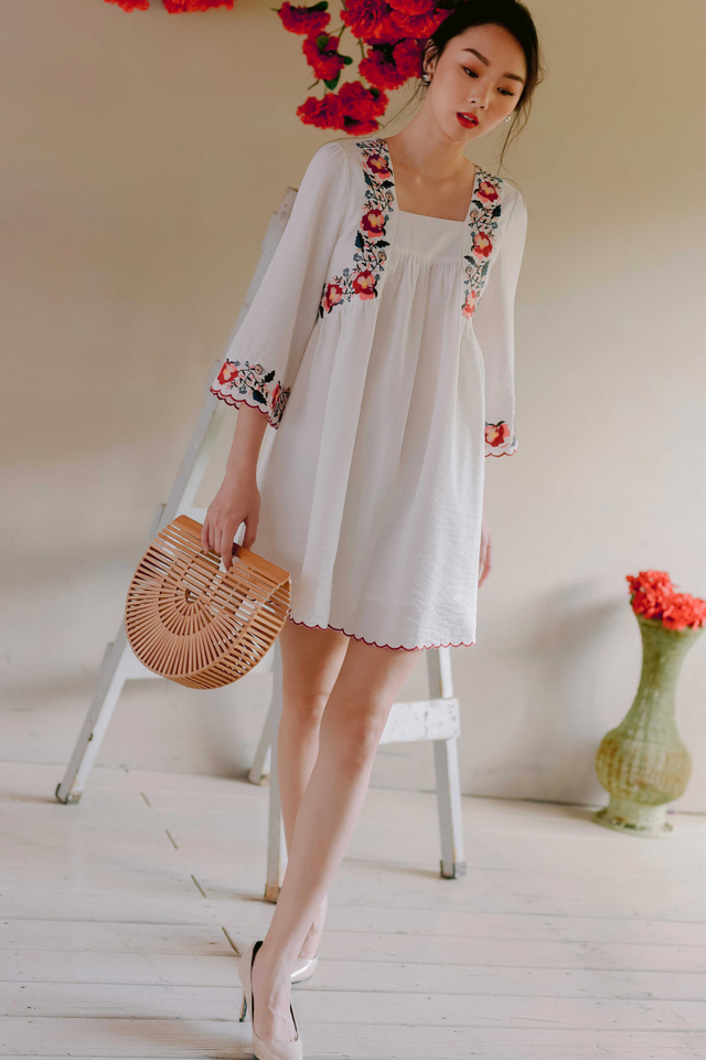 *RESTOCKED 2* ELWOOD EMBROIDERY DRESS IN WHITE