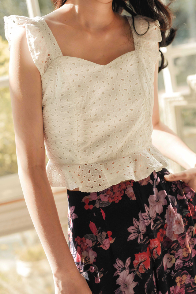 JUDY EYELET TOP IN WHITE