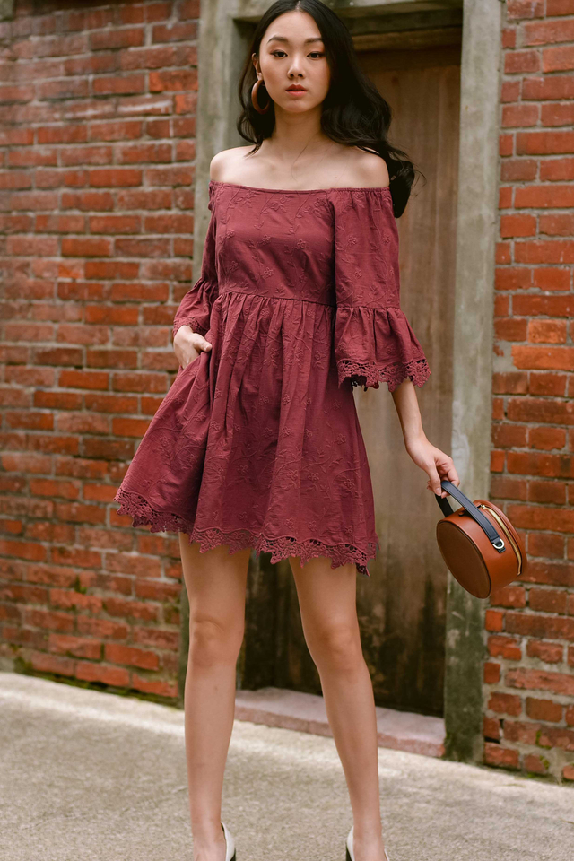 KEEGAN OFF SHOULDER DRESS IN DUSK ROSE