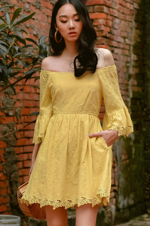 KEEGAN OFF SHOULDER DRESS IN YELLOW