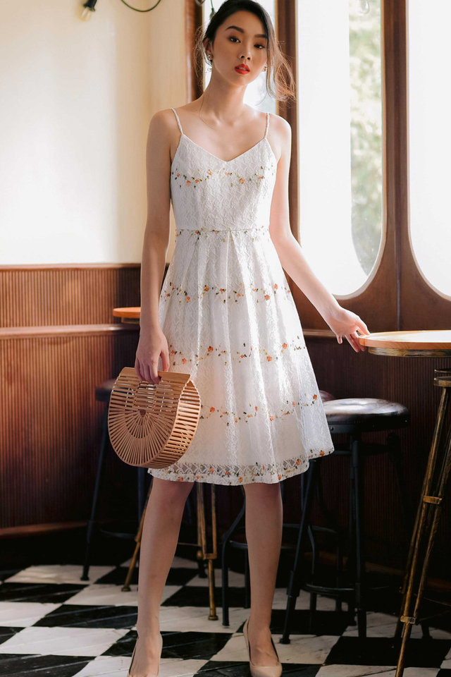*RESTOCKED 2* MACY LACE DRESS IN WHITE