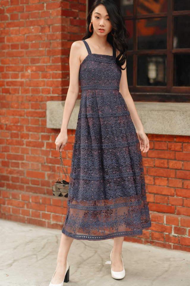ROSELLE ORGANZA MAXI IN PERIWINKLE PINK