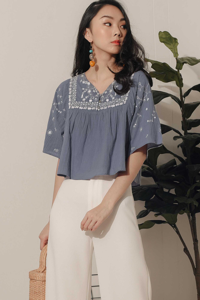 JOLIE EMBROIDERY TOP IN MOONSTONE