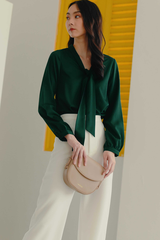 ARETHA TOP IN MOSS GREEN