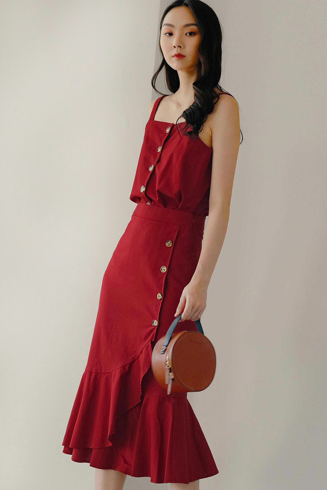 WYNNE BUTTON MIDI IN RED