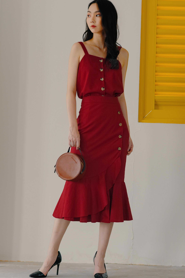 *RESTOCKED* WYNNE BUTTON MIDI IN RED