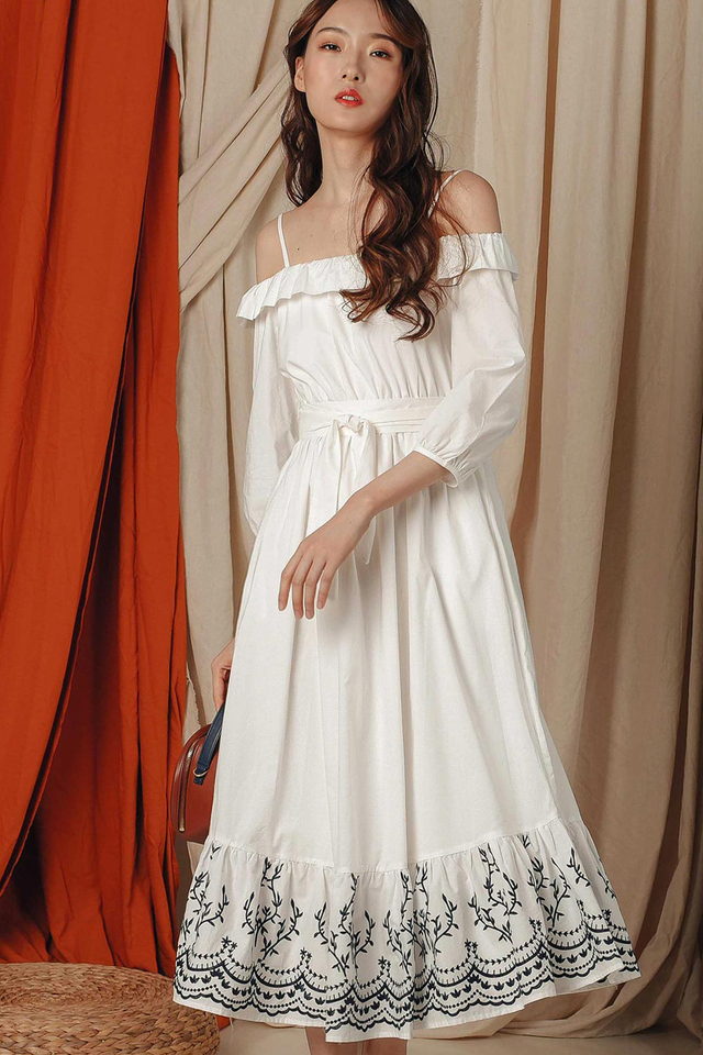 KYDEN EMBROIDERY MAXI IN WHITE