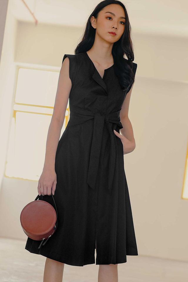 REID SASH DRESS IN BLACK