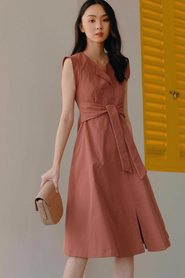 REID SASH DRESS IN ROSEWOOD