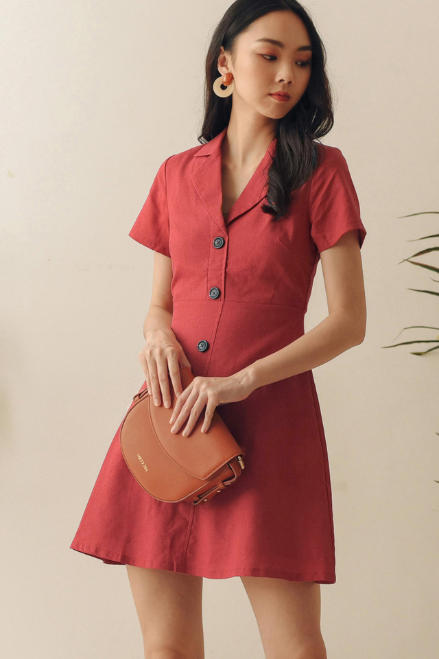 SARIYA LINEN DRESS IN SCARLET