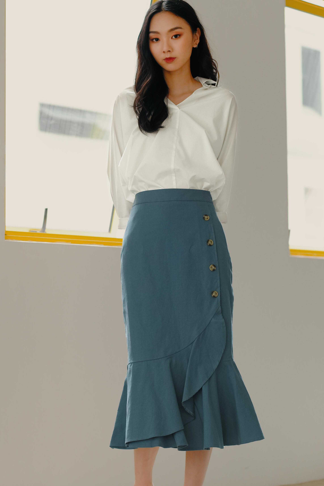 *RESTOCKED* WYNNE BUTTON MIDI IN BLUE