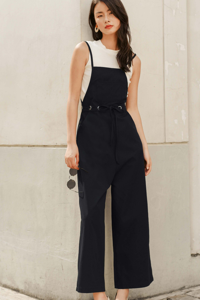 *RESTOCKED* EVAN JUMPSUIT IN BLACK