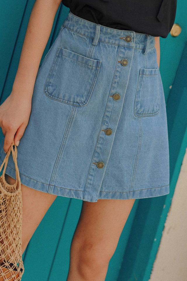 *BACKORDER* LIAM DENIM SKIRT IN LIGHT WASH