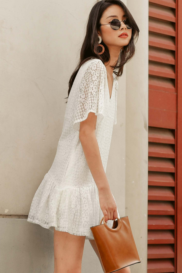TYLER LACE PLAYSUIT IN WHITE