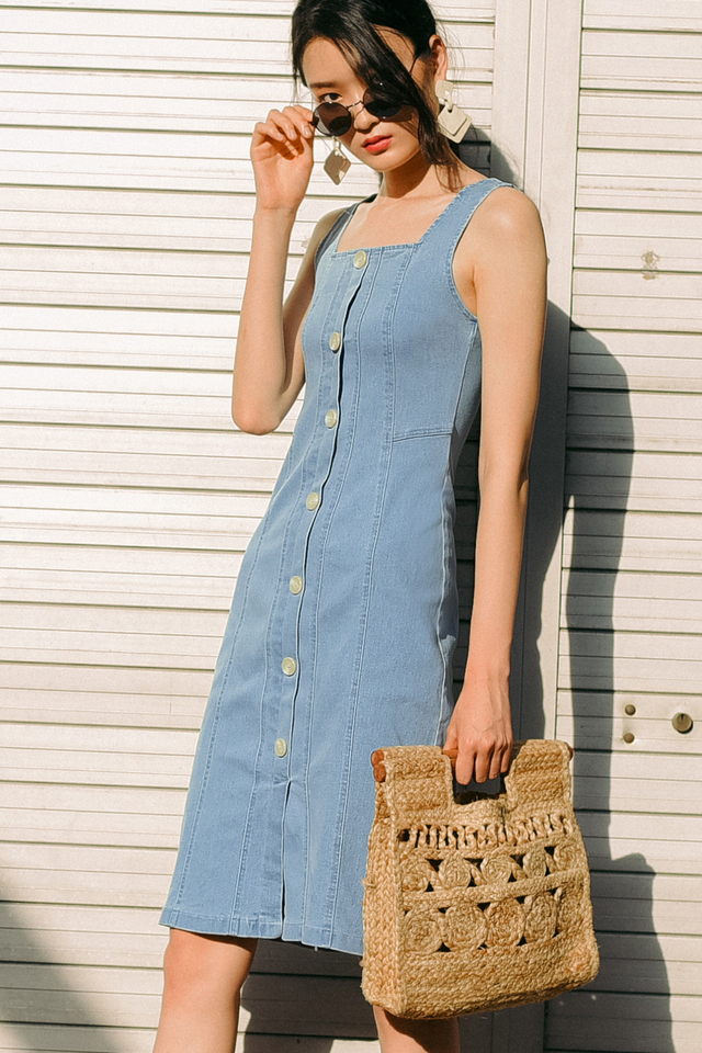 *RESTOCKED* BEATRIX DENIM MIDI IN LIGHT WASH