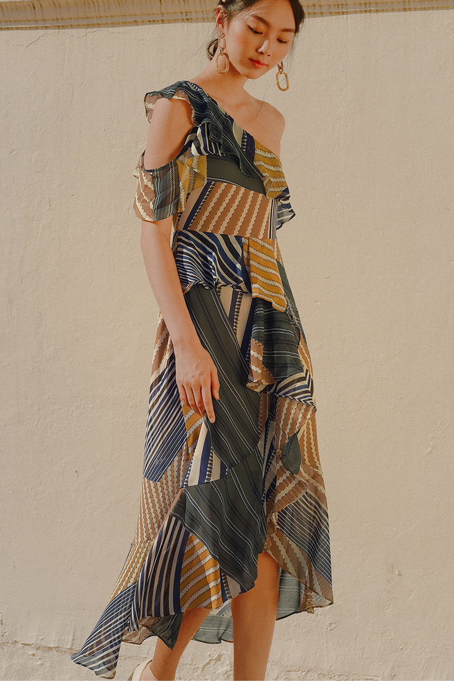 ELVITA TOGA MAXI IN MUSTARD GREEN