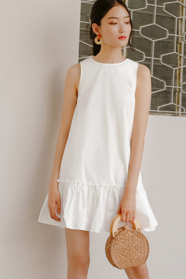 GILL DRESS IN WHITE