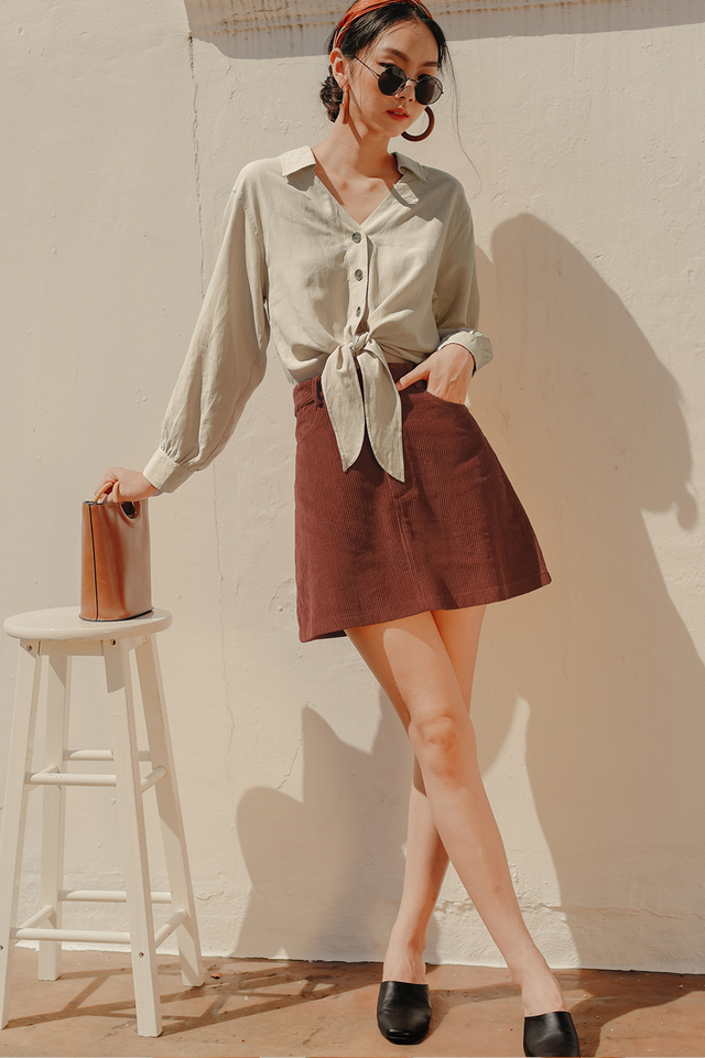 LOGAN CORDUROY SKIRT IN AUBURN BROWN