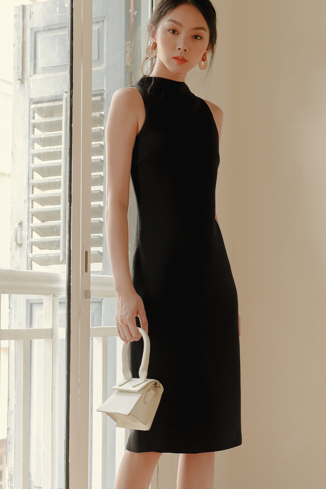 *BACKORDER* KENZIE SHEATH MIDI IN BLACK