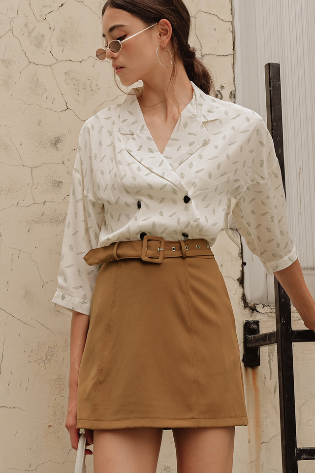 RUSS LAPEL TOP IN LIGHT CREAM