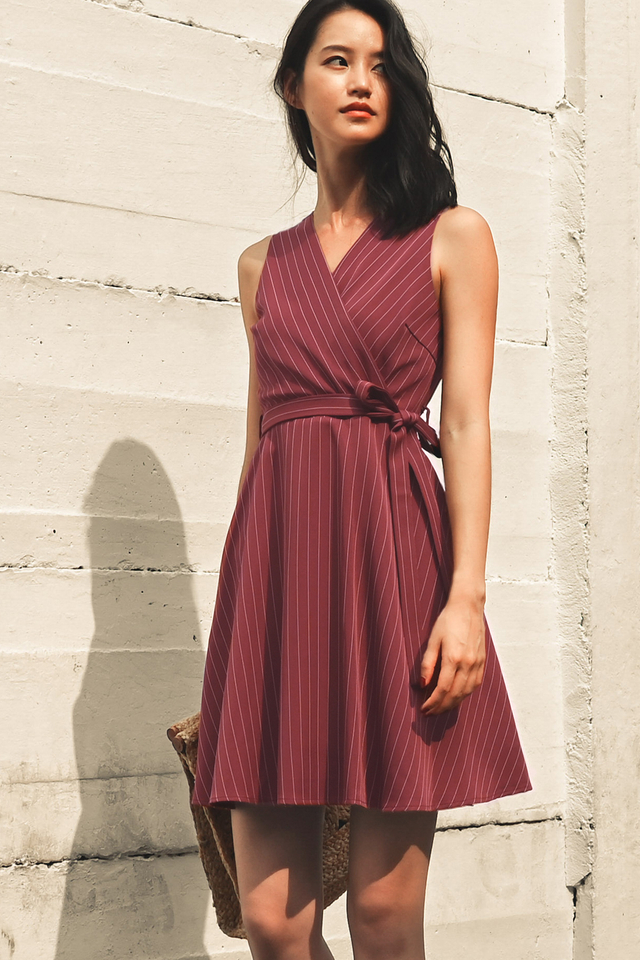 SHELDON STRIPE DRESS IN BURGUNDY