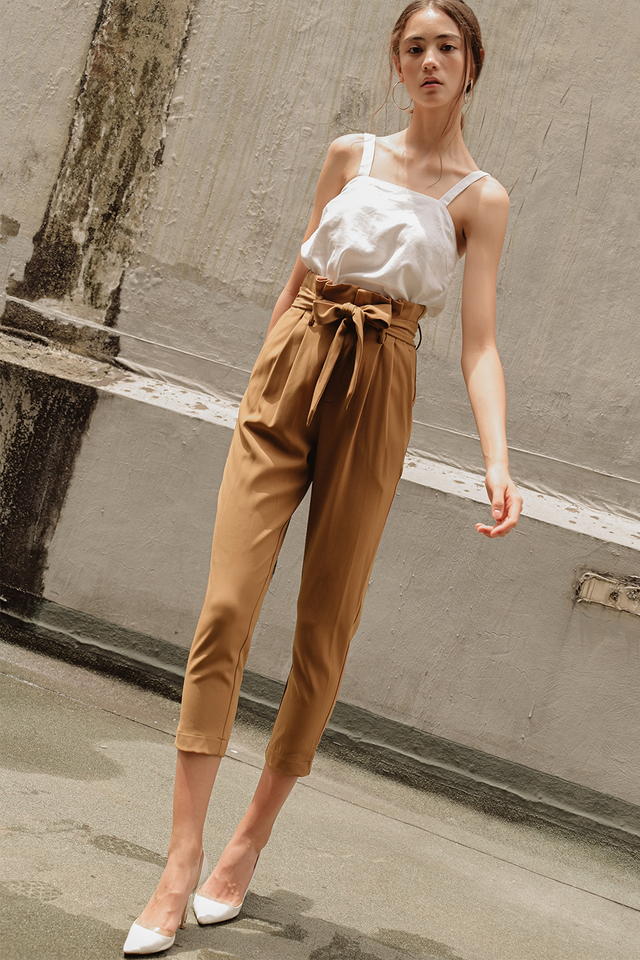 TATE PAPERBAG PANTS IN CARAMEL