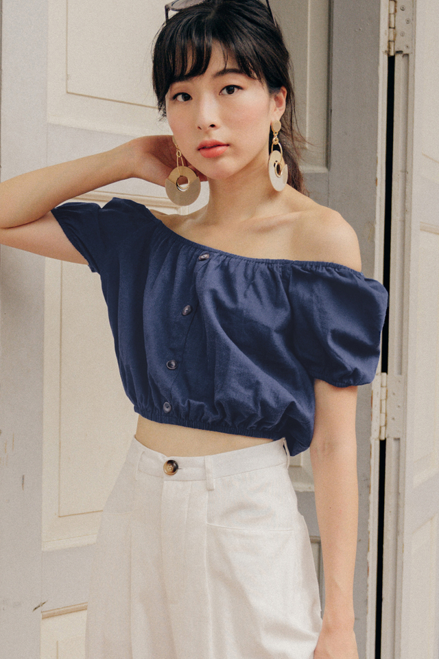 IRINA OFF SHOULDER TOP IN NAVY