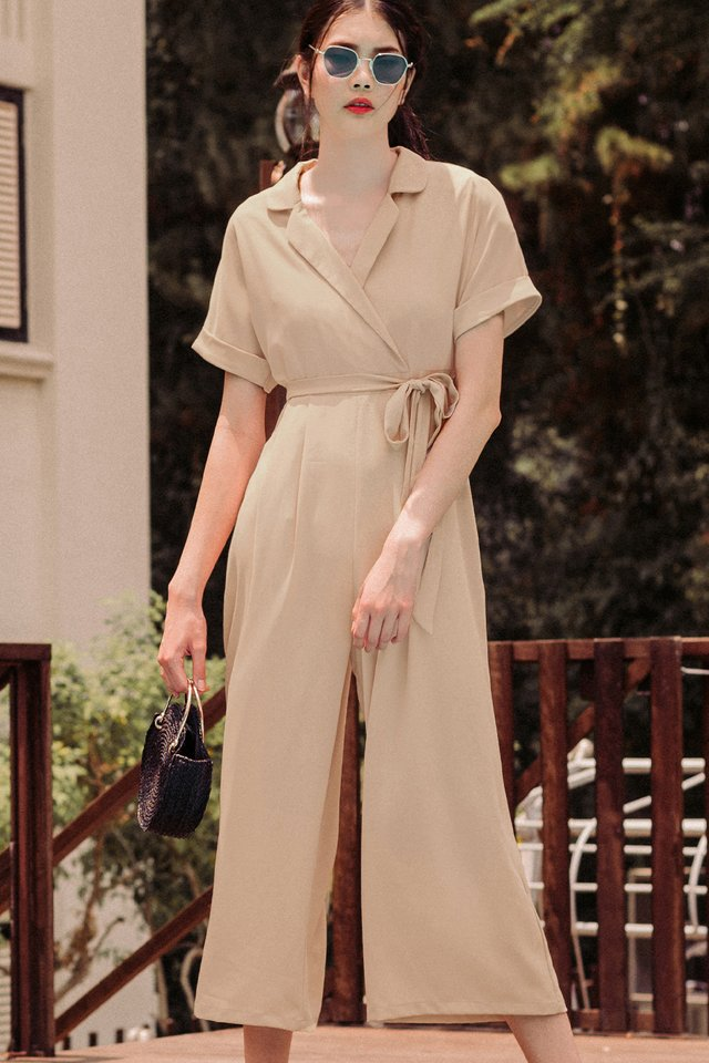 DANNI LAPEL JUMPSUIT IN ALMOND