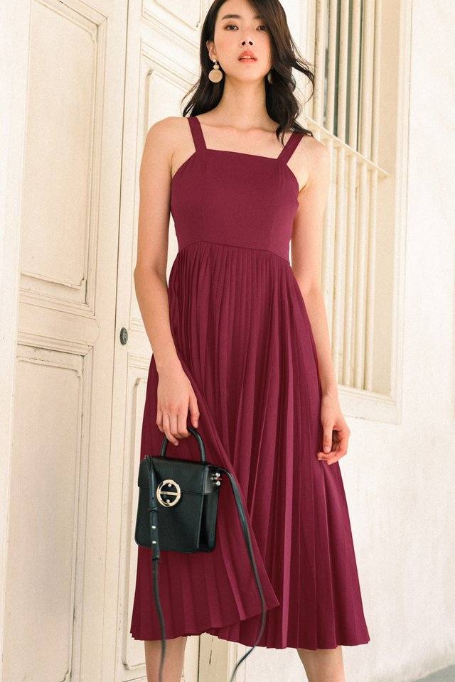 DELILAH PLEAT MIDI IN MAGENTA
