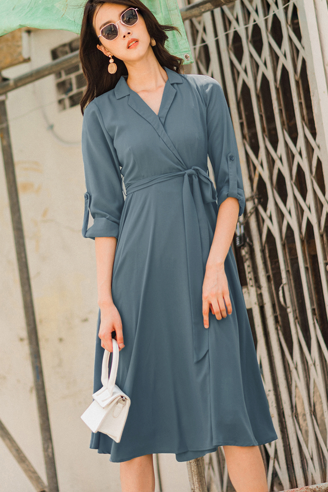EARL TRENCH MIDI IN DUSK BLUE