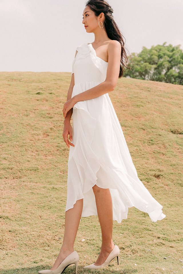 ELVITA TOGA MAXI IN WHITE