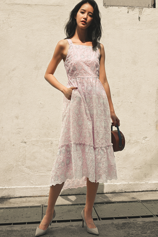 HAYES EMBROIDERY MAXI IN PINK