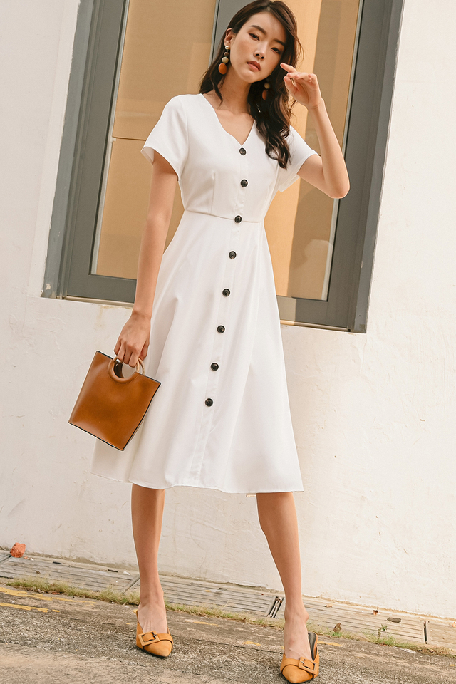 MADDIE BUTTON MIDI IN WHITE