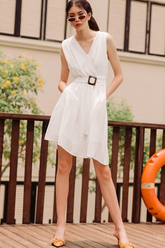 RHEA BUCKLE DRESS IN WHITE