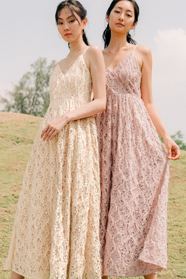 TESSA LACE MAXI IN CREAM