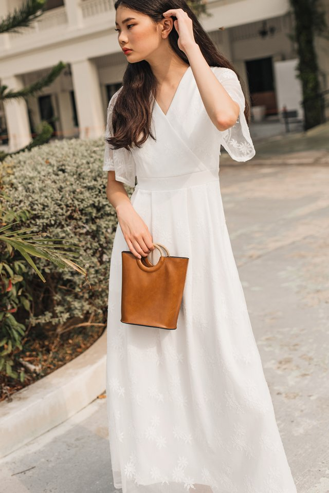 BRANDI LACE MAXI IN WHITE