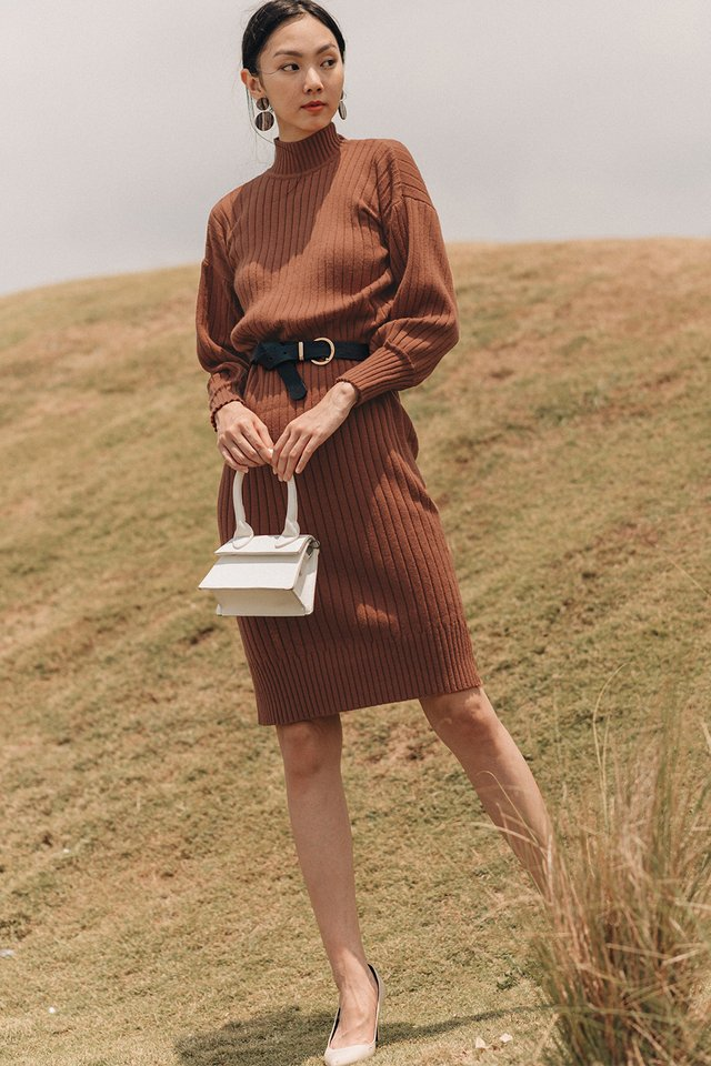 DURHAM KNIT MIDI IN MAPLE BROWN