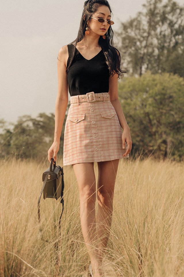 SHEFFIELD PLAID SKIRT IN ALMOND