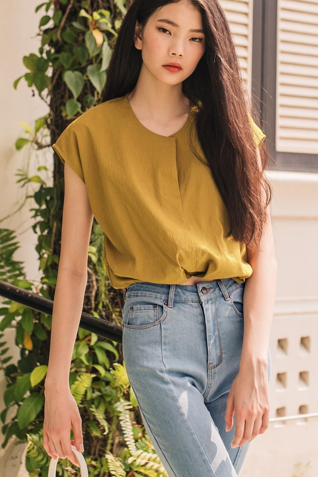 TATUM CREPE TOP IN MUSTARD