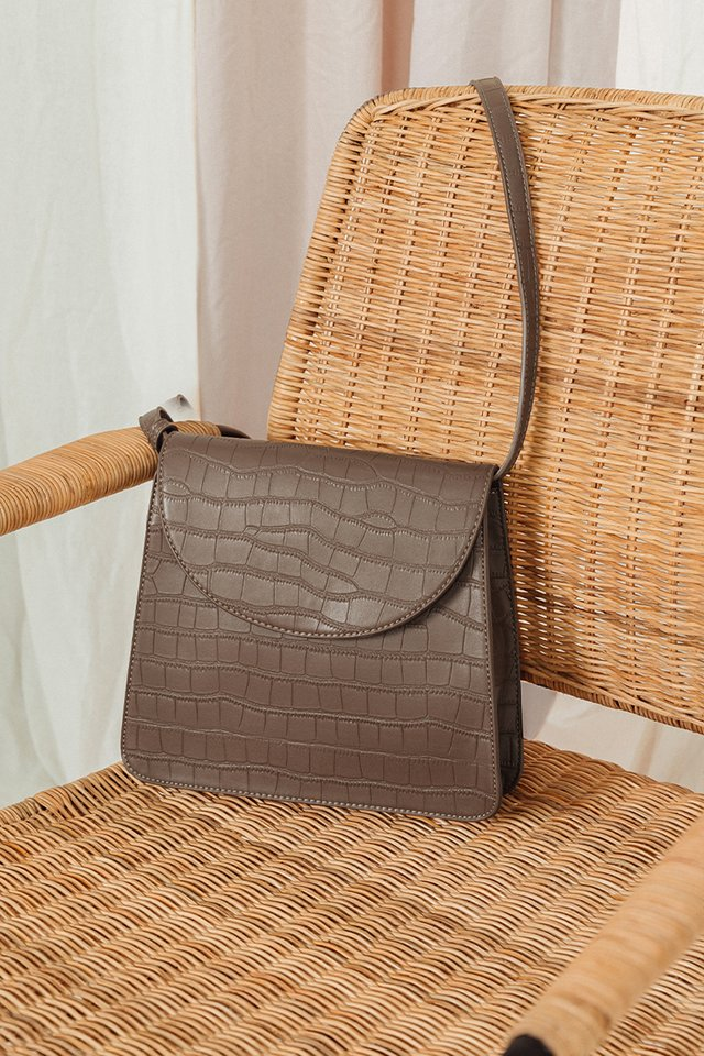 CALDWELL BAG IN OAK